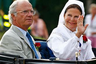 В молодости король Швеции любил джакузи. С «девушками»…