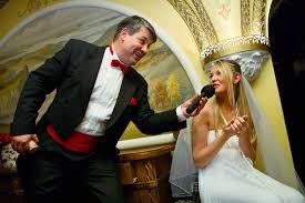 Чи потрібен тамада на сучасному весіллі?